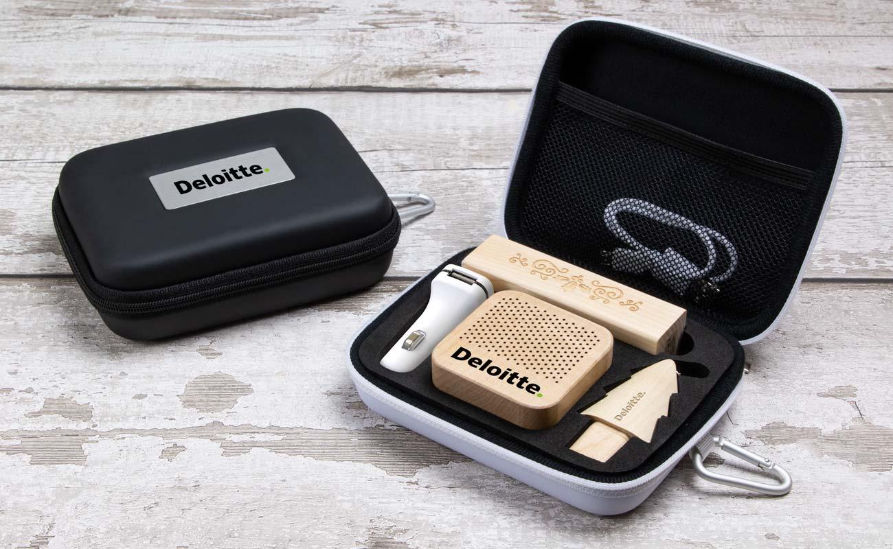 Noel L - 造型隨身碟, Custom Portable Charger, Custom Car Charger 和 Custom Speakers